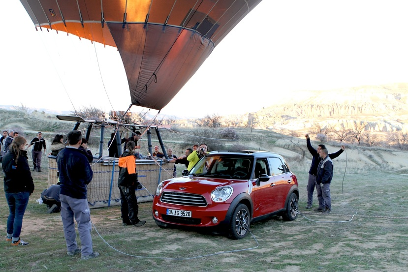 MINI_uçtu_sky_Kapadokya_Capadoccia_hot air balloon_balon_göklerde_No Comment (4)