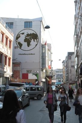 recycle-graffiti_hm_moss-graffiti